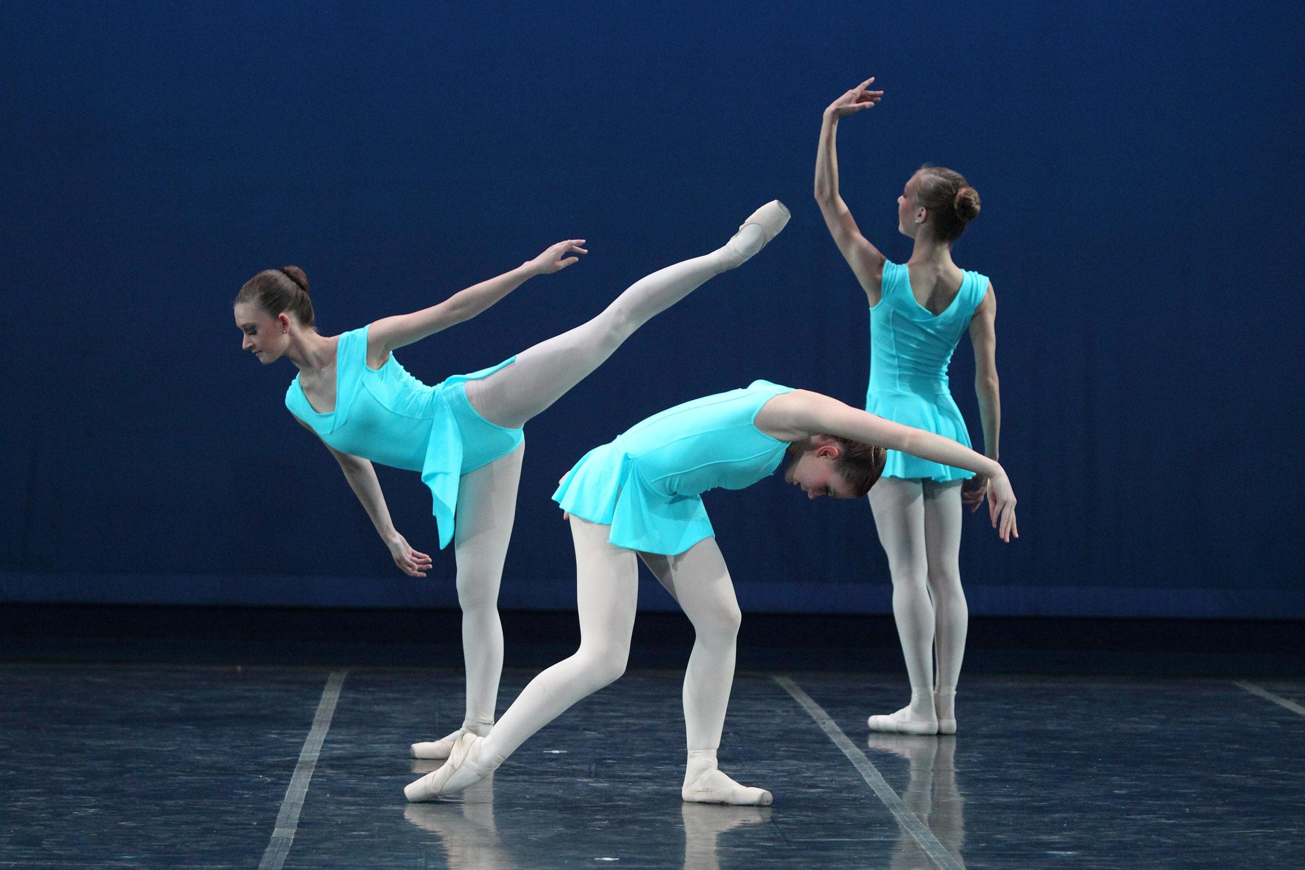 """""""Movement in 3"""" by Hubert Essakow"""